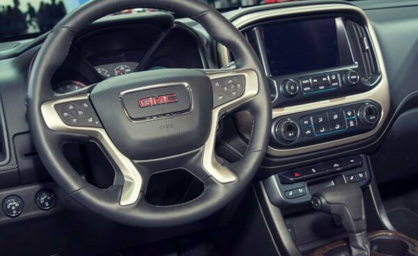 2020 GMC Canyon featured interior